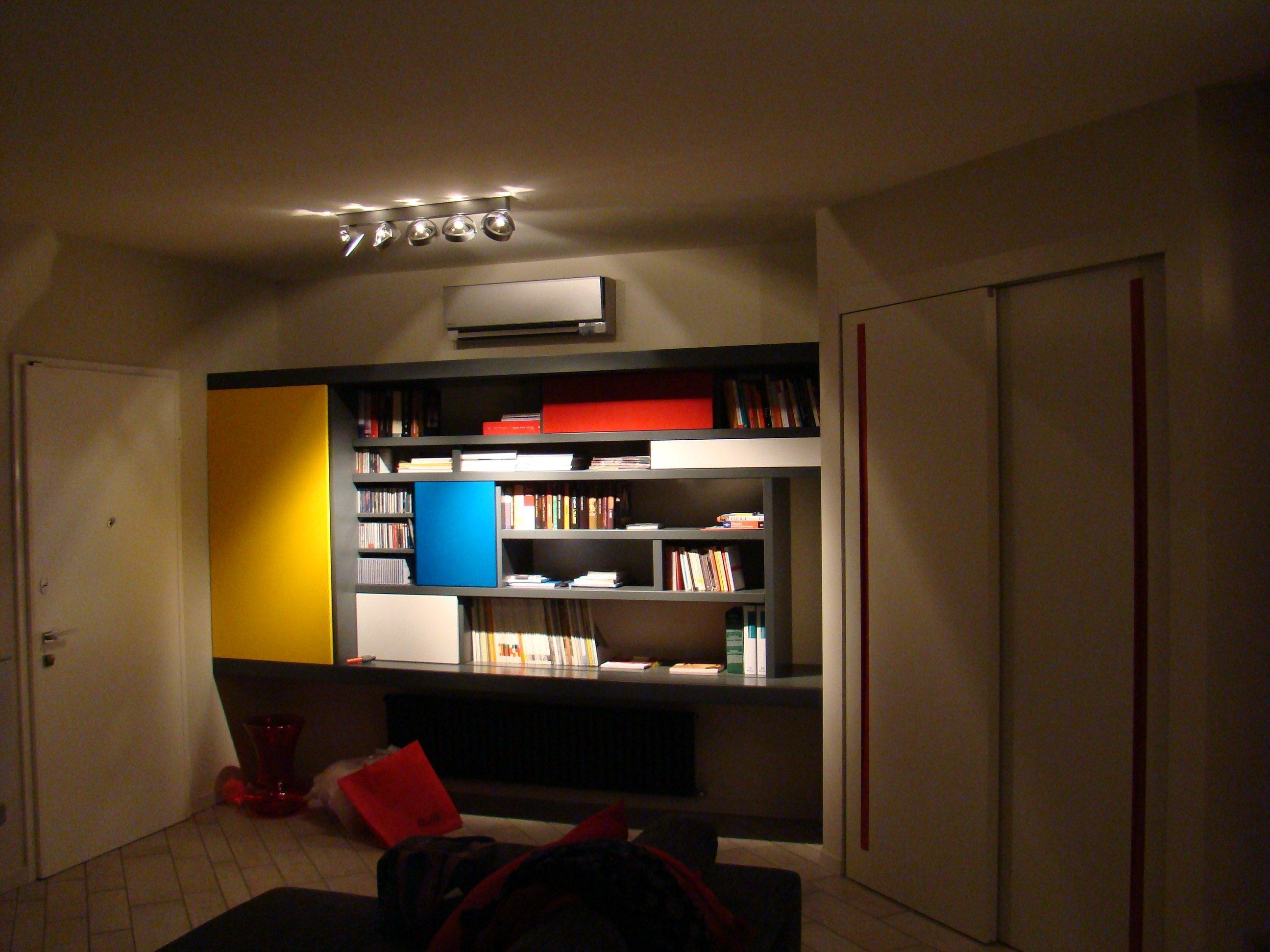 Libreria mondy marco aceti architetto bergamo for Aceti arredamenti